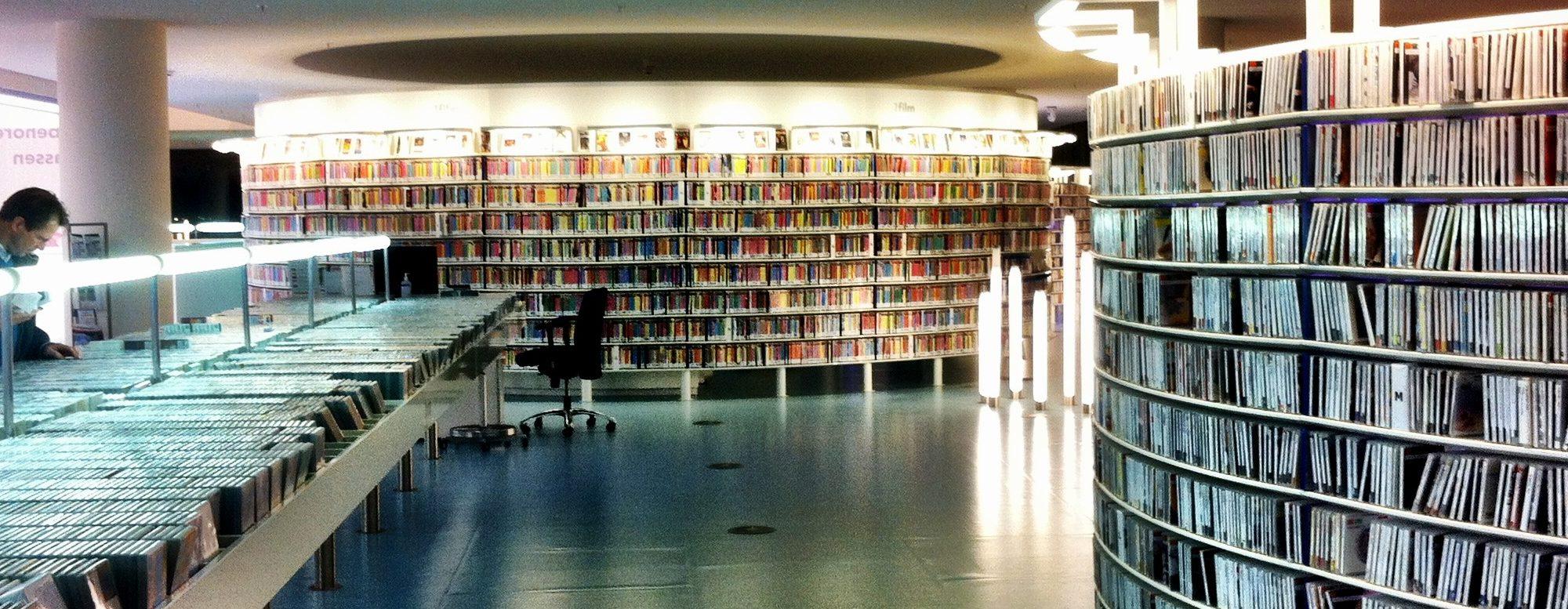 Media library by Taras Kalapun / flickr / CC-BY 2.0